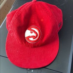 UO red polyester snapback new era cap (NBA)